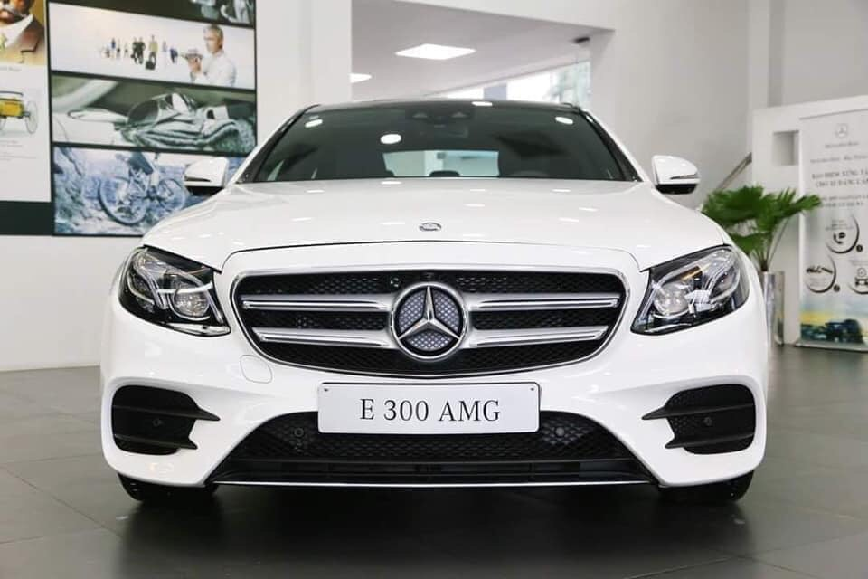 mercedes-e300-amg-2019-2020-noi-that-ngoai-that-mercedeshaxaco-com-vn
